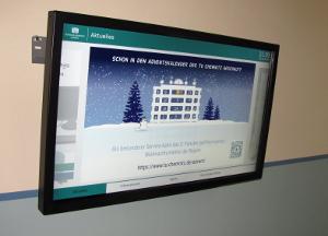 Display mit Hinweis auf den Adventskalender