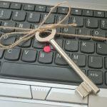 Schlüssel auf Tastatur gebunden