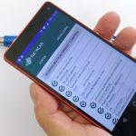 Hand hält Smartphone mit TUC WLAN